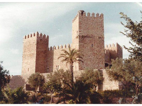 Fotografía Pablo Palazuelo 1983-Castillo de Monroy