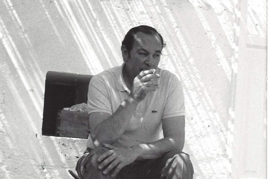 Pablo Palazuelo en el castillo de Monroy. 1972